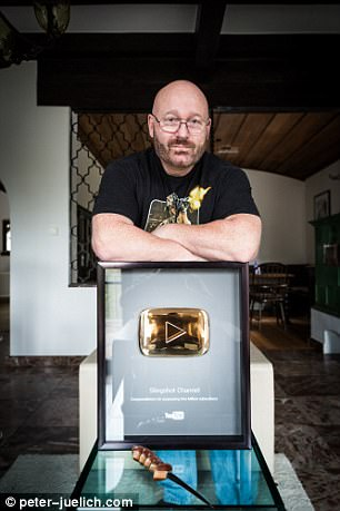 Sprave was even given an award by YouTube for attracting 1,000,000 subscribers to his channel, despite widespread warnings that UK jihadis use such material for training
